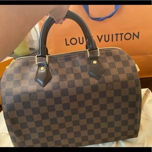 Louis Vuitton Damier  Speedy 30 ( Authentic )